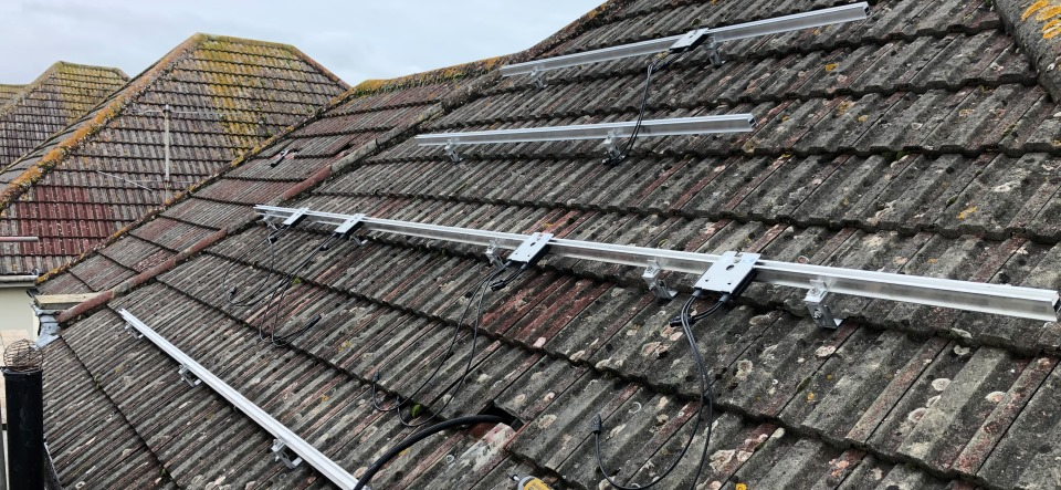 Worthing 4.7kW mounting systems for solar panels | Wagner Renewables